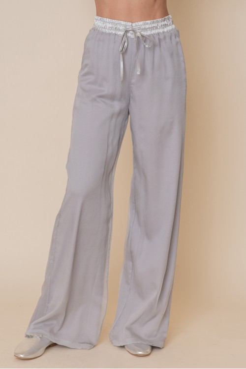 Crepe pants with elastic band in the middle and mako inside