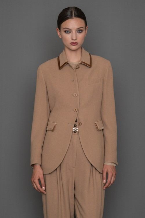 Crepe jacket with velvet phases on the collar and on the pockets, women's