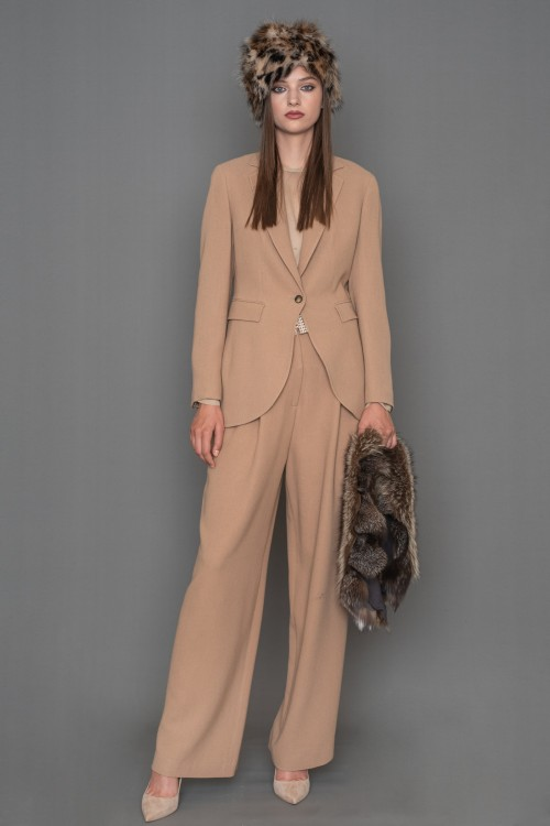 Crepe classic jacket with lapel collar and one button, women's