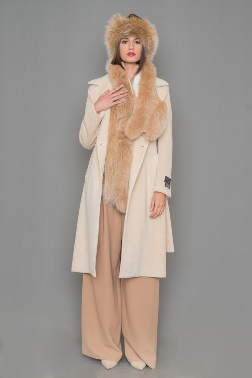 Alpaca coat crossed with lapel collar and belt at the waist, women's
